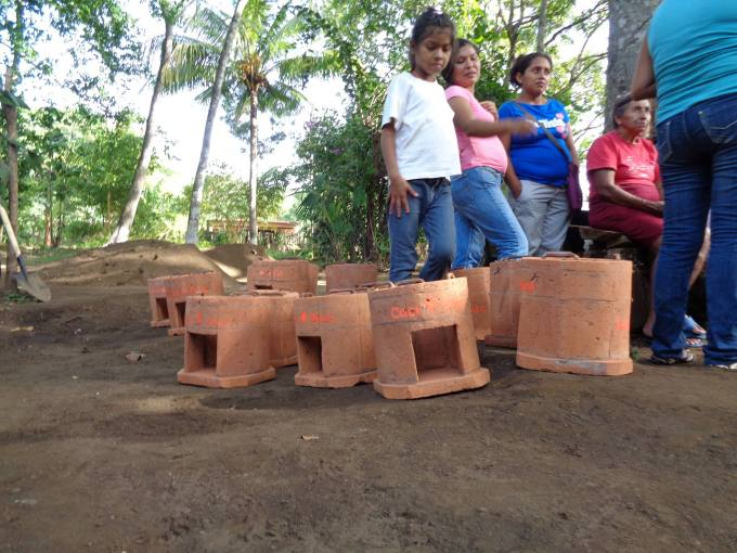 Eco cookers donated by La Mariposa